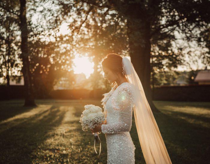 Čaro západu slnka pri svadobnom fotení / točení