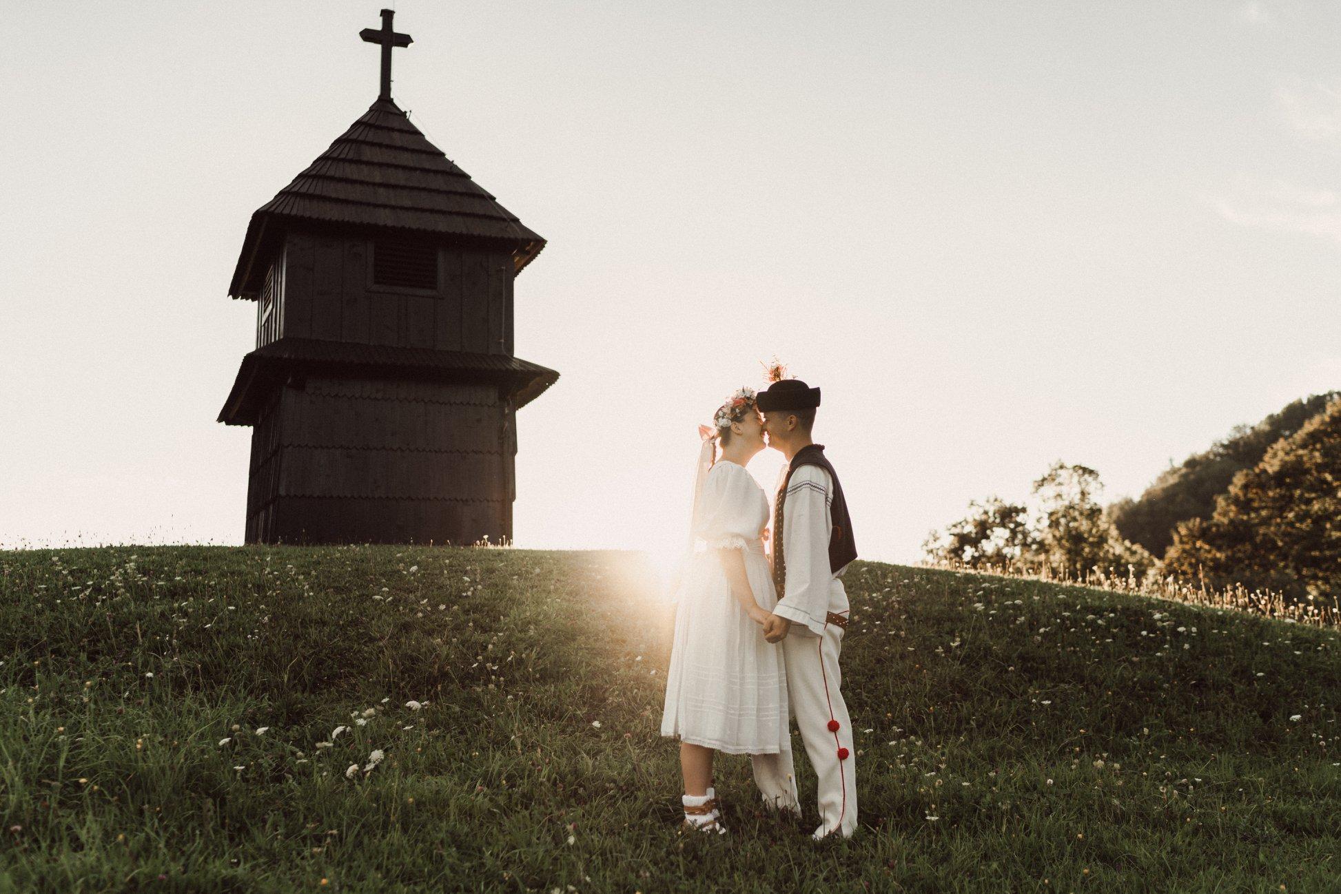 Folklórne predsvadobné fotenie pri Terchovskej znonici